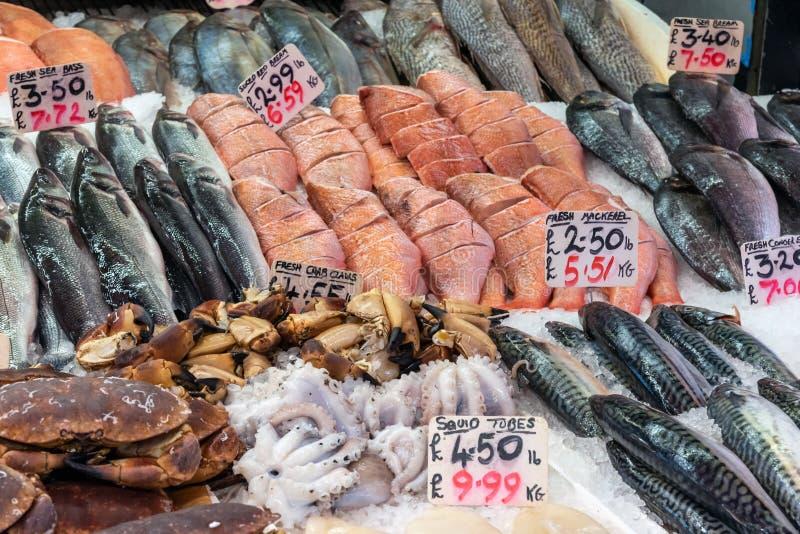 Granchi, pesce e frutti di mare da vendere immagine stock libera da diritti