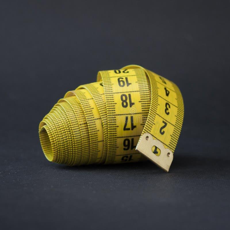 Grand écheveau de bande de plan rapproché jaune de couleur photographie stock