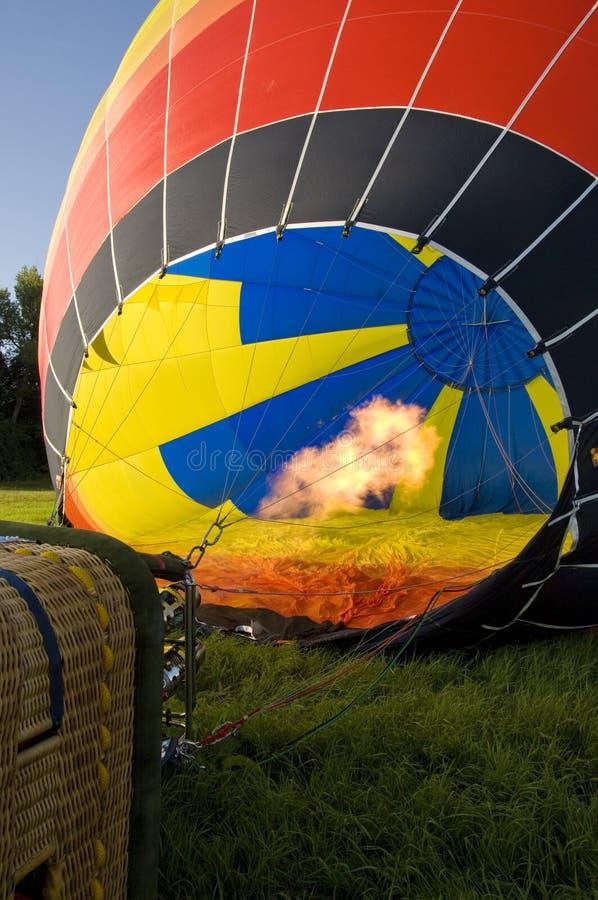Grand ballon à air chaud avant début image stock