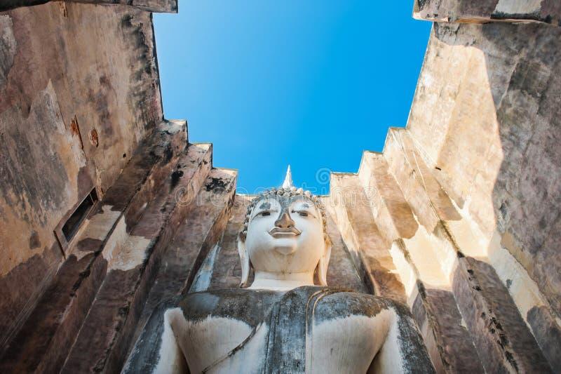 Grand Bouddha à la province de Sukhothai de temple de Srichum, photos stock