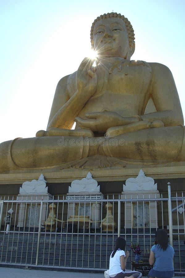 Download Grand Bouddha photo stock. Image du respect, thaï, priez - 734354