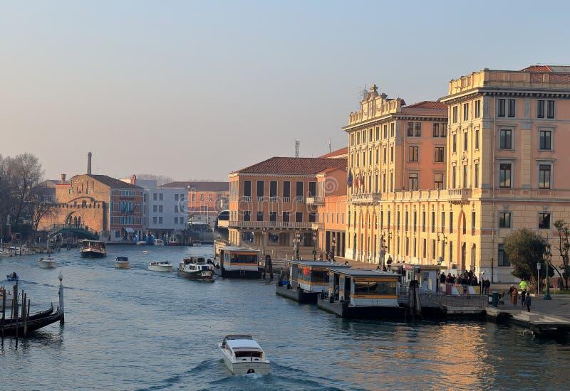 Grand Canal de degli Scalzi de Ponte de pont de Scalzi photo stock