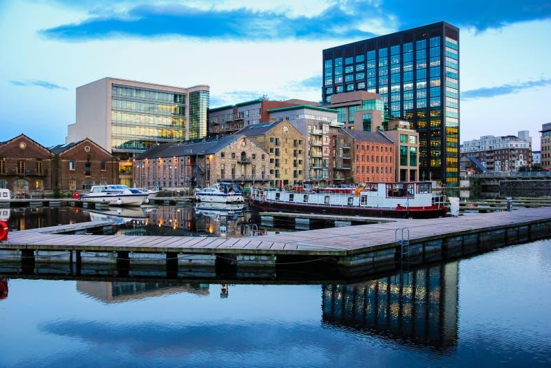 Grand Canal -Dock dublin irland lizenzfreie stockfotos