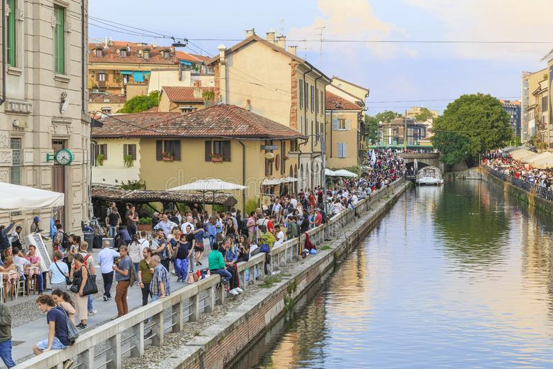 Grand Canal in het Navigli-district, Milaan royalty-vrije stock foto