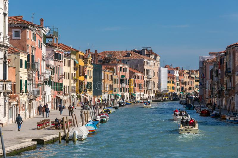 Grand Canal sikt på dagtid i Venedig, Italien royaltyfri fotografi