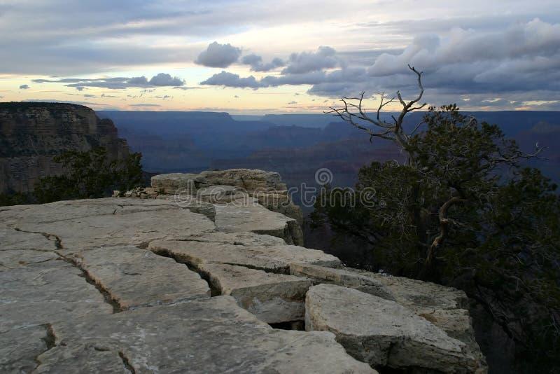 Grand Canyon an der Dämmerung lizenzfreie stockbilder