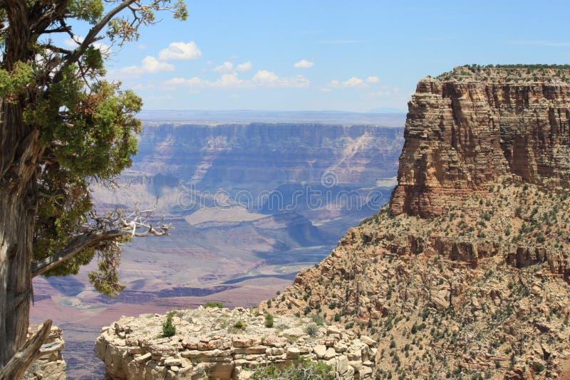 Grand Canyon ha sparato al mezzogiorno in punto fotografia stock