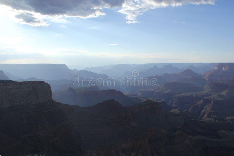 Grand Canyon med himlen arkivbild