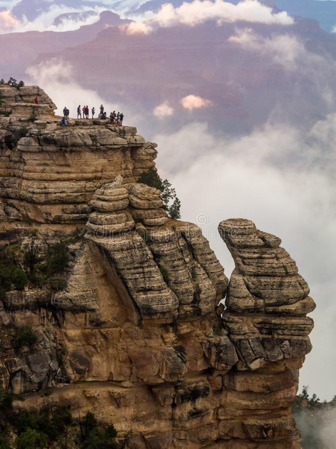 Free Grand Canyon Overlook, Tourists On Cliff Edge Royalty Free Stock Photos - 128537098