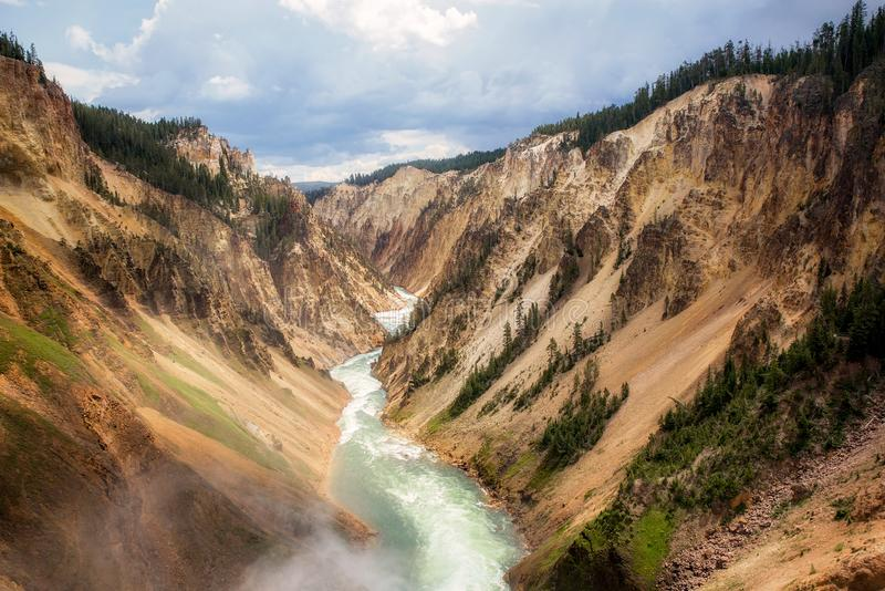 Grand Canyon van Yellowstone-waterval stock afbeelding