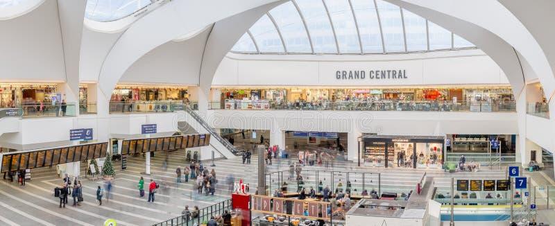 Grand Central -winkelcentrum & de Nieuwe St Post van Birmingham stock foto's