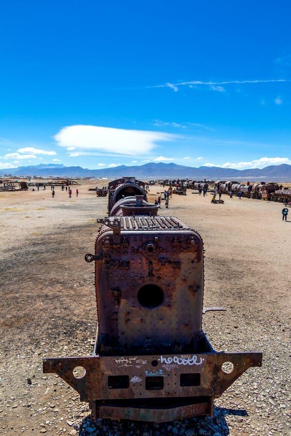 Grand cimetière de train ou cimetière de locomotives à vapeur chez Uyuni, Bolivie image libre de droits