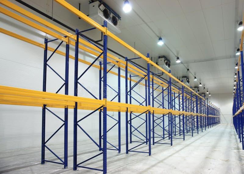 Grand construisez neuf l'entrepôt images stock