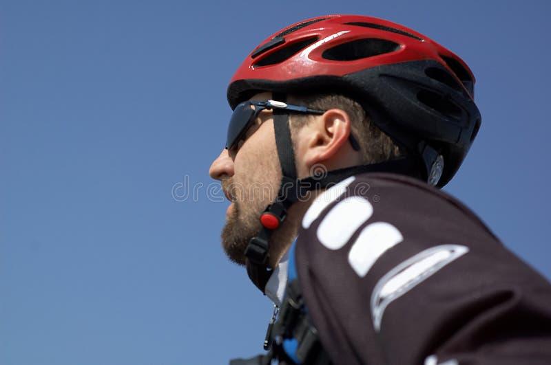 Grand cycliste de montagne photo libre de droits