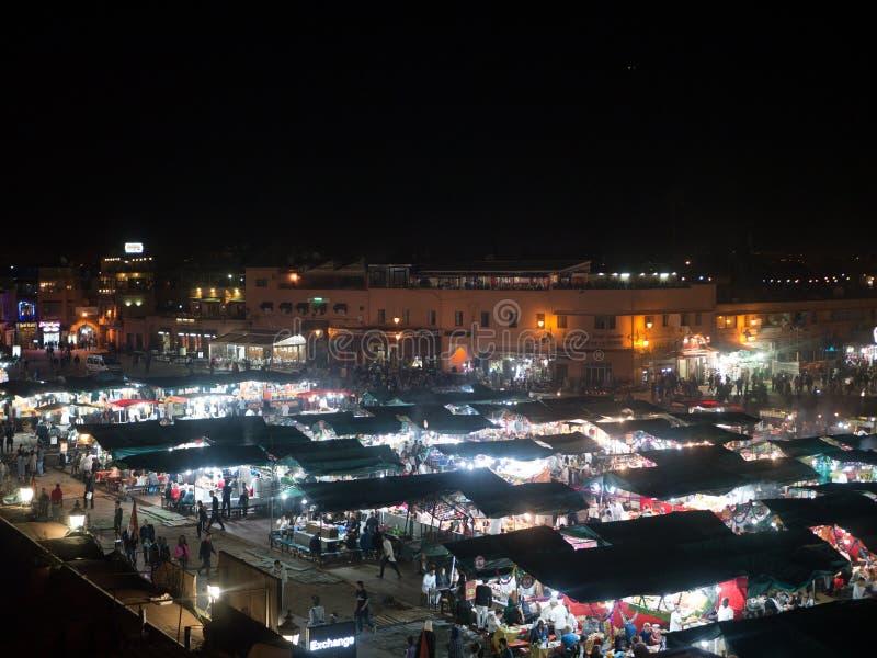 Grand dos d'EL Fna de Djemaa à Marrakech, Maroc image libre de droits