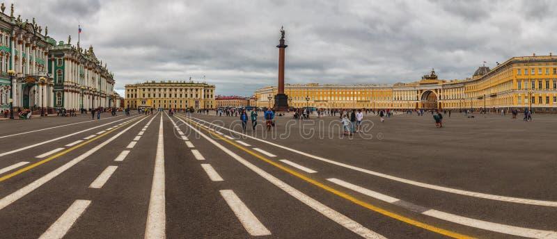 Grand dos de palais, St Petersburg photographie stock