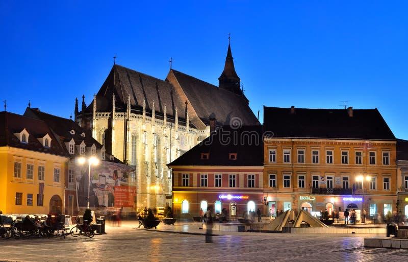 Grand dos du Conseil de Brasov et église noire, Roumanie images stock