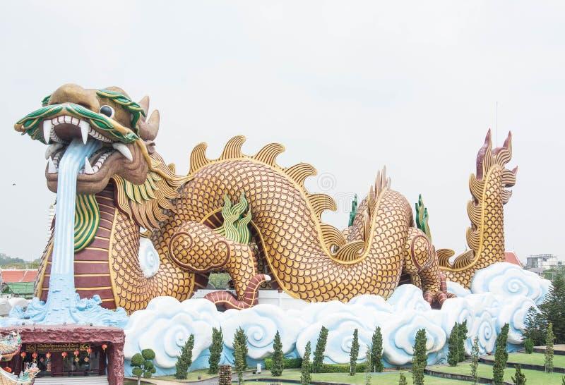 Grand dragon aux descendants musée, Thaïlande de dragon images stock