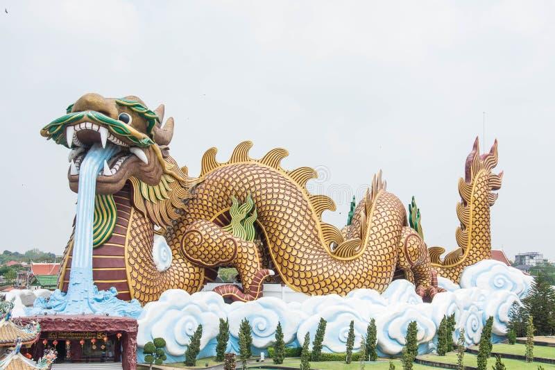 Grand dragon aux descendants musée, Thaïlande de dragon image stock