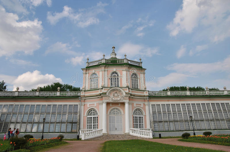 Grand ` en pierre de serre chaude de ` en parc de Kuskovo, Moscou image stock