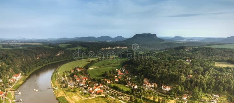 Grand fleuve (Elbe) photos libres de droits