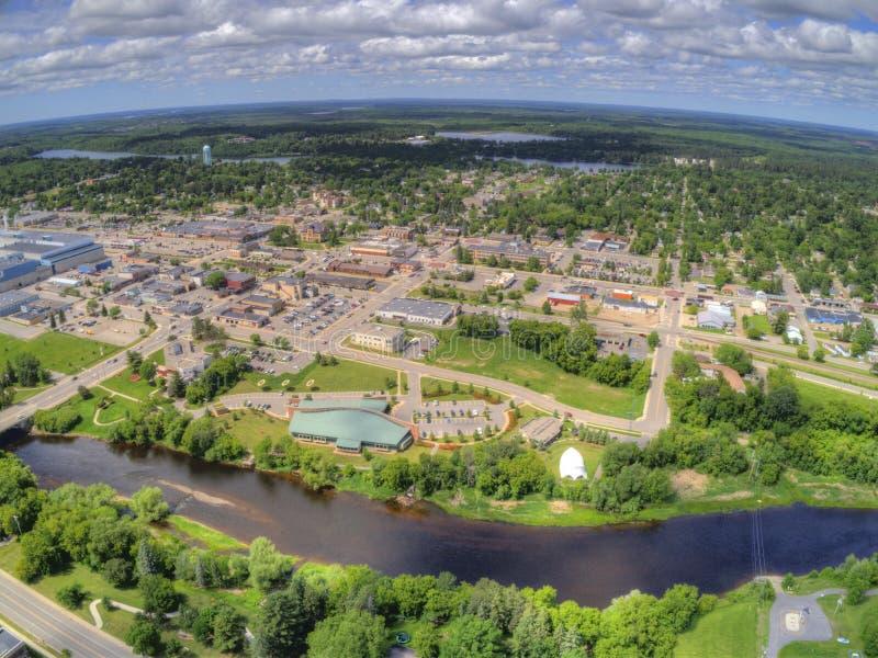 Grand Forks är en stor North Dakota stad på Redet River på genomskärningen av huvudväg 2 och mellanstatliga 29 en timmesöder av arkivbild