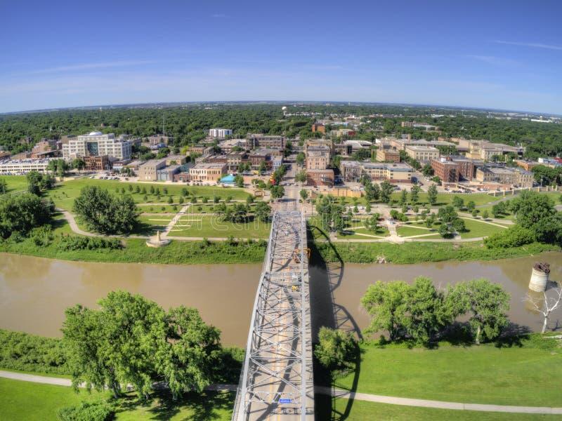 Grand Forks es una ciudad grande de Dakota del Norte en el Red River en la intersección de la carretera 2 y de la autopista 29 un foto de archivo libre de regalías