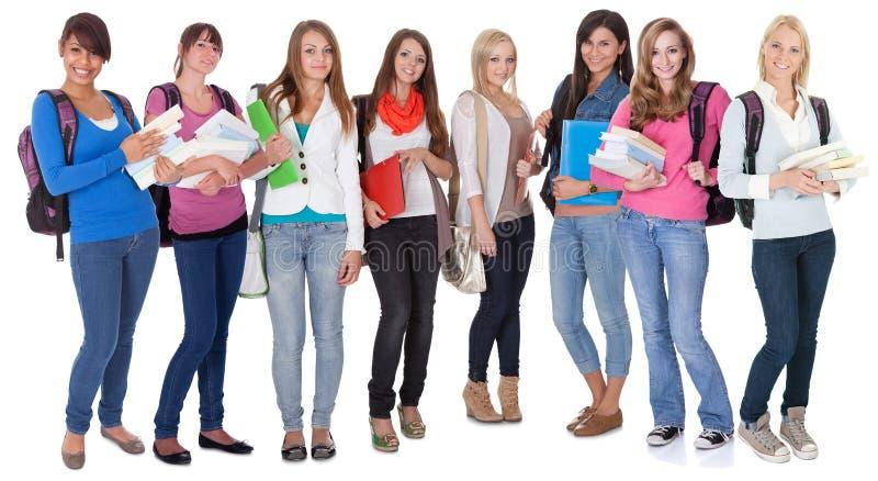 Grand groupe d'étudiantes photo stock