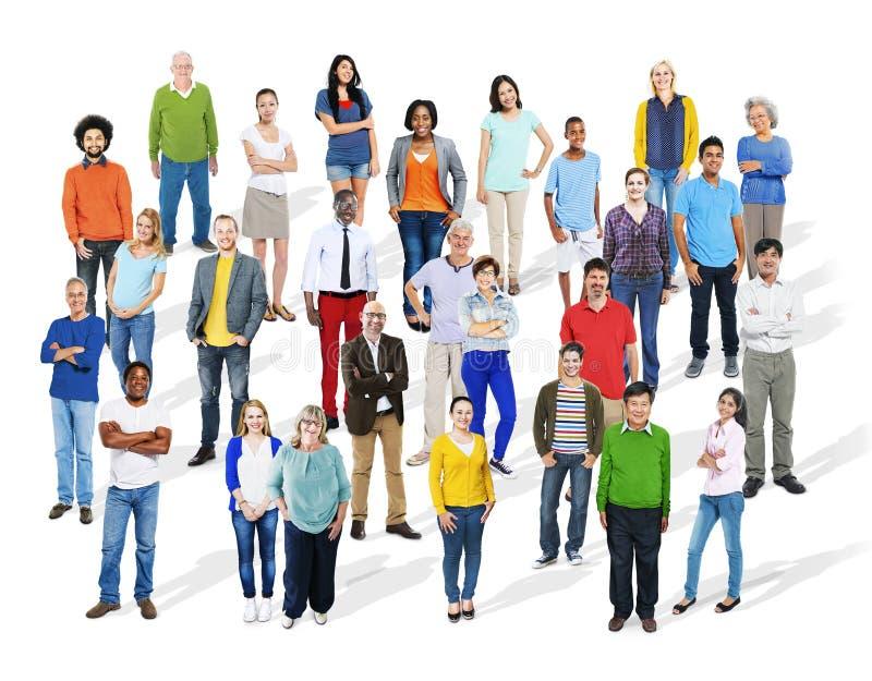 Grand groupe de personnes colorées multi-ethniques diverses photo stock