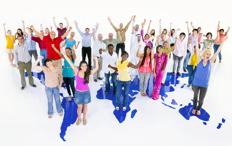Download Grand Groupe Multi-ethnique De Personnes Du Monde Avec La Carte Du Monde Photo stock - Image du noir, humain: 45364310