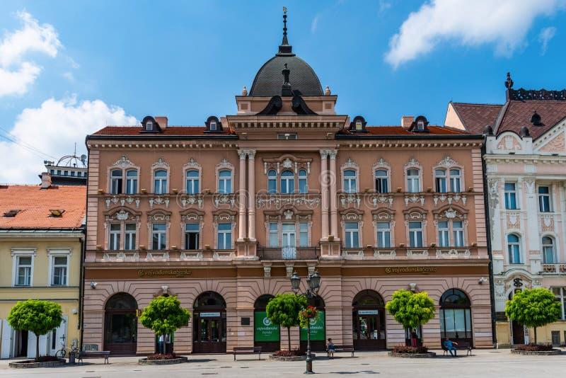 Grand Hotel Majer Vojvodjanska Banka på den centrala fyrkanten i Novi Sad Serbien fotografering för bildbyråer