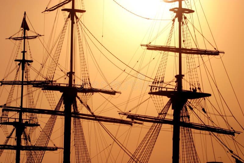 Grand mât de bateau images libres de droits