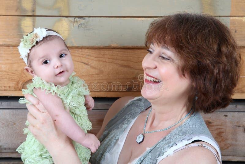 Grand-mère et Grandaughter photo libre de droits