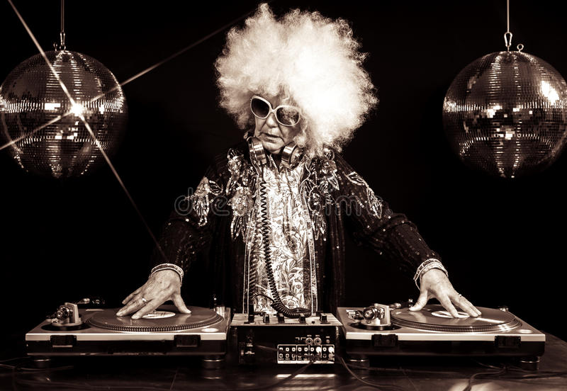 Grand-maman du DJ photo stock