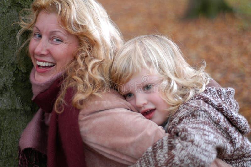 Grand-maman et enfant photographie stock