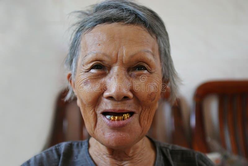 Grand-maman heureuse images stock