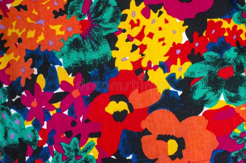 Grand modèle floral sur le tissu illustration stock