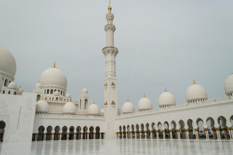 The grand mosque of Abu Dhabi royalty free stock photos