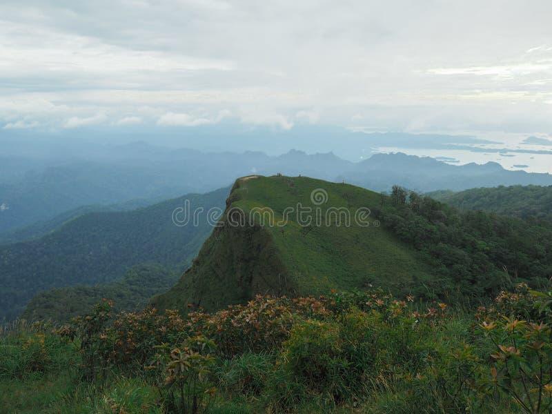 Grand Moutain dans le nationalpark de la Thaïlande image libre de droits