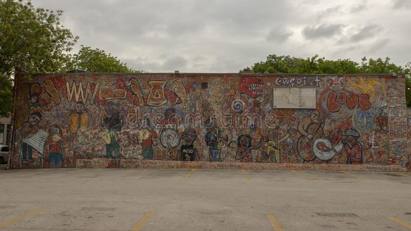 Grand mur anonyme et non signé Parry Street mural, Dallas, le Texas photo stock