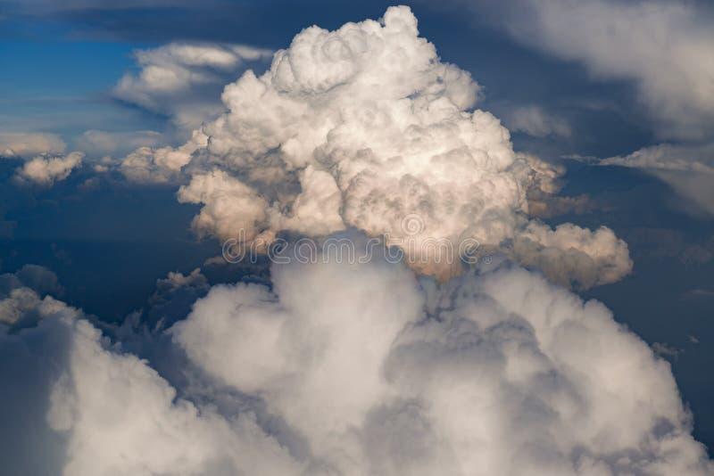 Grand nuage d'orage photo stock