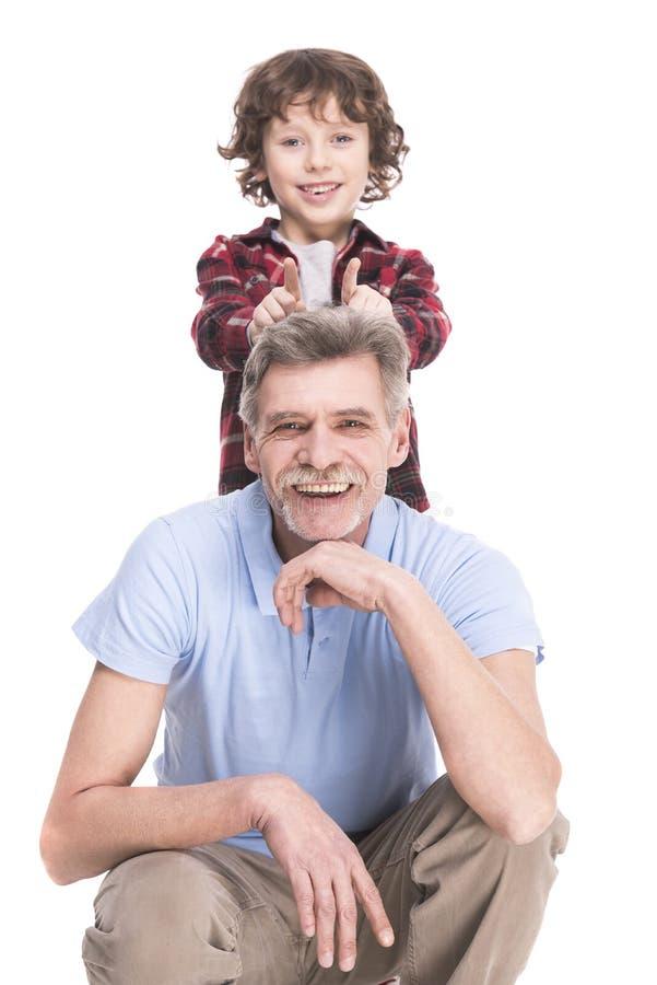 Grand-père et petit-fils images libres de droits