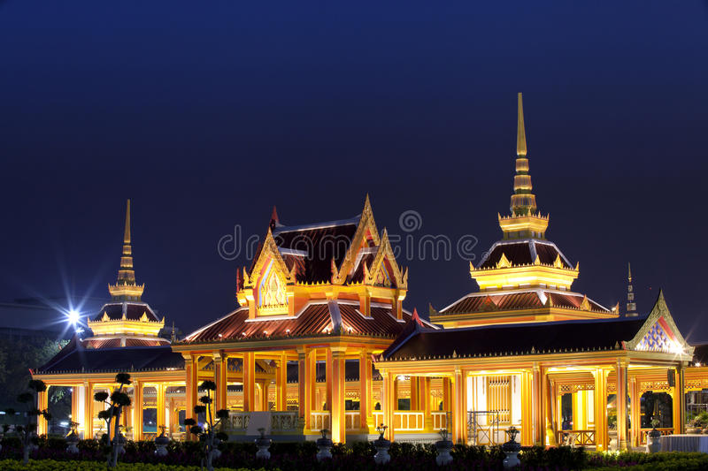 Download The Grand Palace And Temporary Pagoda Stock Image - Image: 24125721