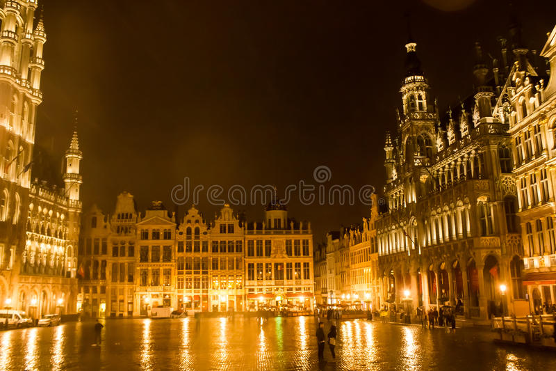 Grand Place, Brüssel: Ansicht von der Mitte zur Nordostseite lizenzfreies stockbild