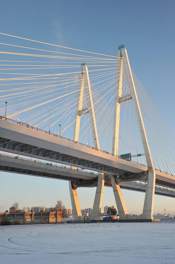 Grand pont d'Obukhovsky (câble-resté) photos stock