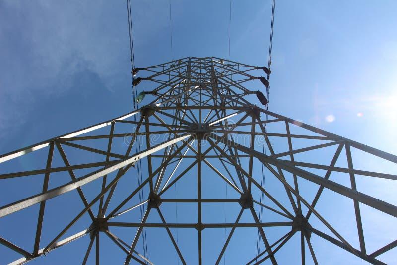 Grand poteau électrique photo libre de droits