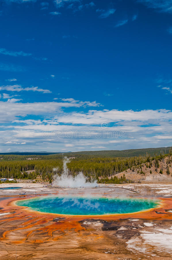 Free Grand Prismatic Spring Royalty Free Stock Image - 33232836