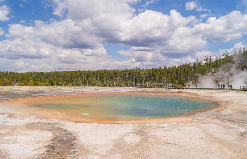 Grand Prismatic Spring Hot springen Yellowstone National Park Wyoming USA royalty-vrije stock afbeeldingen