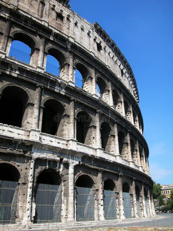 Grand Roman Colosseum Beaux vieux hublots à Rome (Italie) image stock