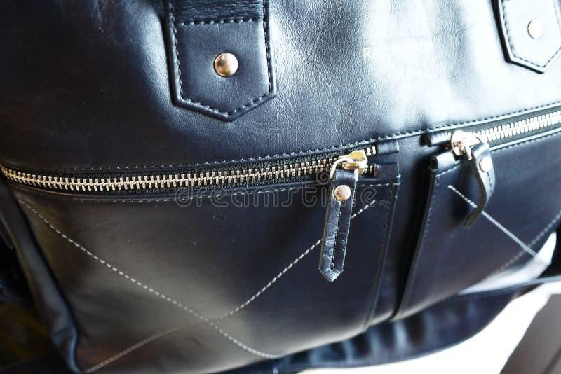 Grand sac fait de cuir v?ritable Pour des affaires, des vacances et tout autre stockage de vos documents ?l?gant, beau, cher images libres de droits